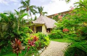 Outrigger_Fiji_Beach_Resort_Plantation_Bure_(Bungalow)