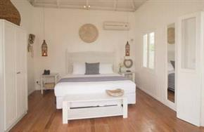 Beachview_Villa_Tamanu_on_the_Beach